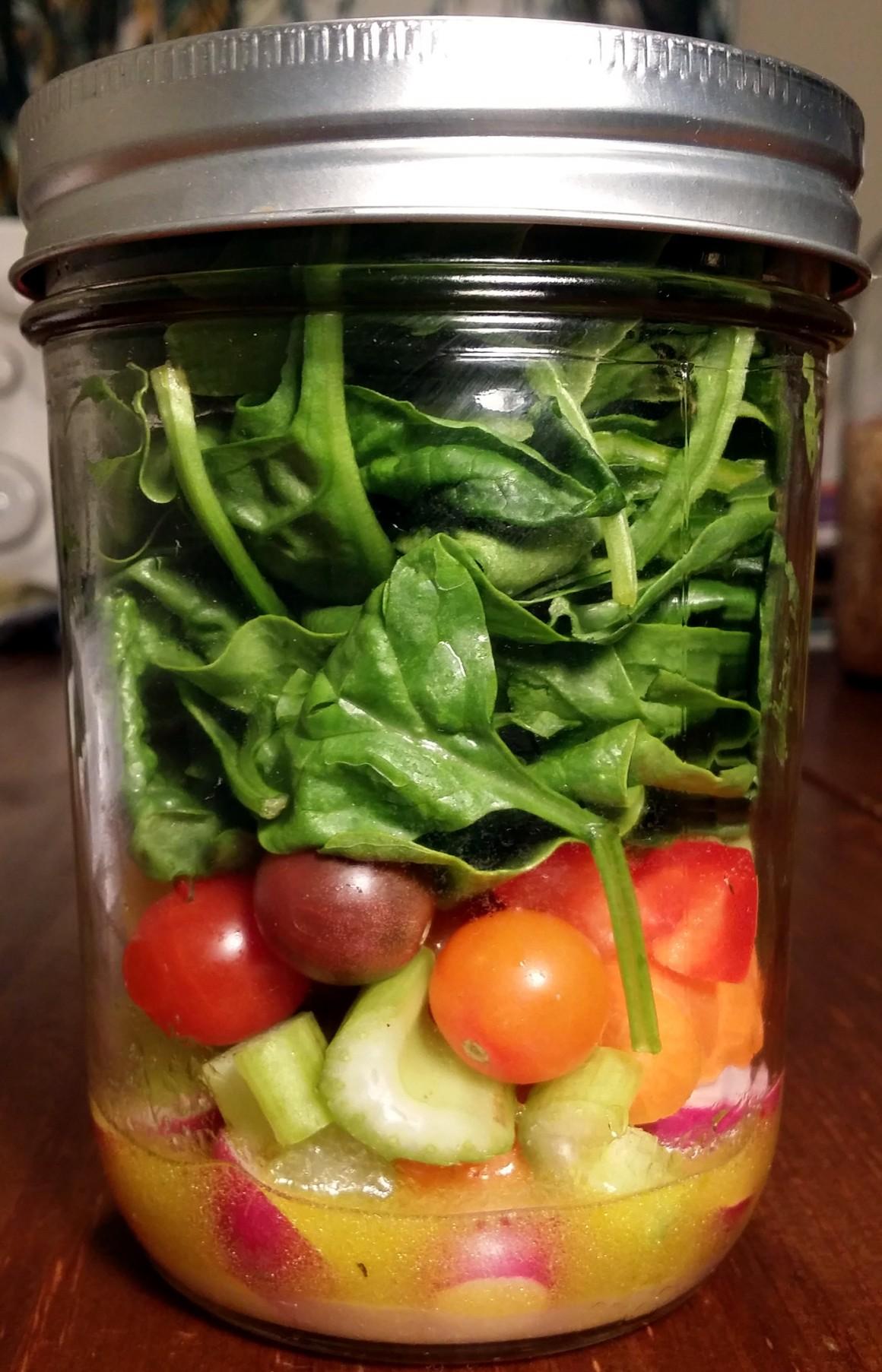 Zero-waste salad to go