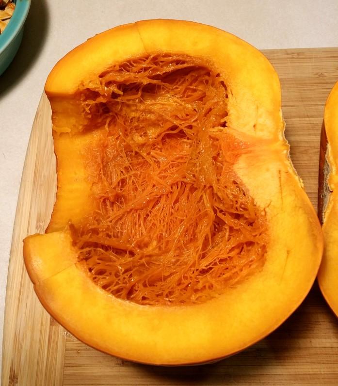 halve pumpkin